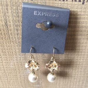 Express Gold Flower and Pearl Bead Earrings
